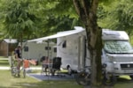 Pitch - Comfort Package (1 tent, caravan or motorhome / 1 car / electricity 10A) - Flower Camping La Venise Verte