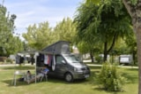 Pitch - Nature Package (1 tent, caravan or motorhome / 1 car / without electricity) - Flower Camping La Venise Verte