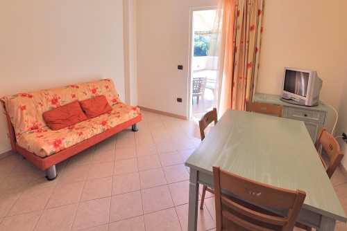 Location - Appartement D Standard (4 Adultes + 1 Enfants) - Eurocamping Calvisio