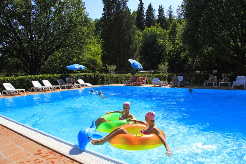 Mare, piscina Camping Colleverde - Siena