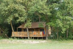 Location - Lodge Safari Premium (Vue Champ) - Camping L'Hirondelle
