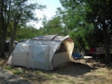 Pitch - Package pitch, vehicle, tent + electricity 6A - Camping Lou Cabasson