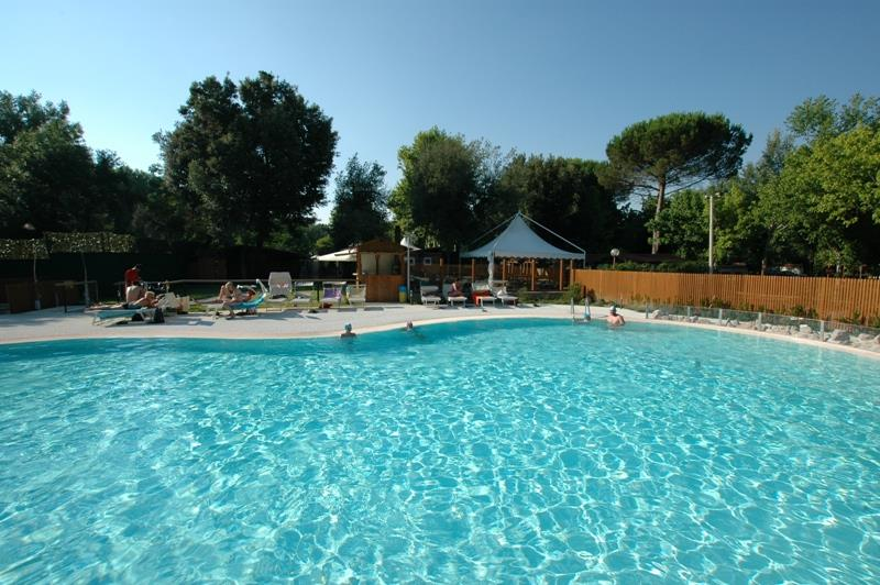 Establecimiento Camping Village International St. Michael - Pisa