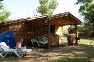 2 bedroom Espace wooden Chalet with air conditioning