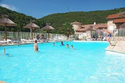 Establishment Camping Le Castelet - Saint Jean De Muzols
