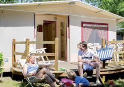 Rental - Pitch Lodge Without Living Room - Camping Les Trois Lacs du Soleil