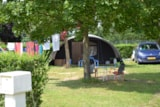 Pitch - Comfort Package (1 tent, caravan or motorhome / 1 car / electricity 10A) - Flower Camping Le Château