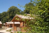 Rental - Chalet Wheelchair friendly Grand Confort Premium 35m² (2 bedrooms) with covered terrace - Flower Camping Le Château