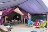 Rental - Canvas bungalow Freeflower 37m² / 2 bedrooms + sheltered terrace - without toilet blocks (2013) - Flower Camping de Mesqueau