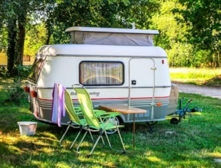 Comfort Package (1 tent or caravan / 1 car / electricity 16A) (Motorhome not allowed)