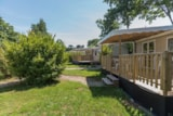 Rental - Mobile home FAMILY  34m²  / 3 bedrooms + Half-covered terrace  (2017) - Flower Camping de Mesqueau