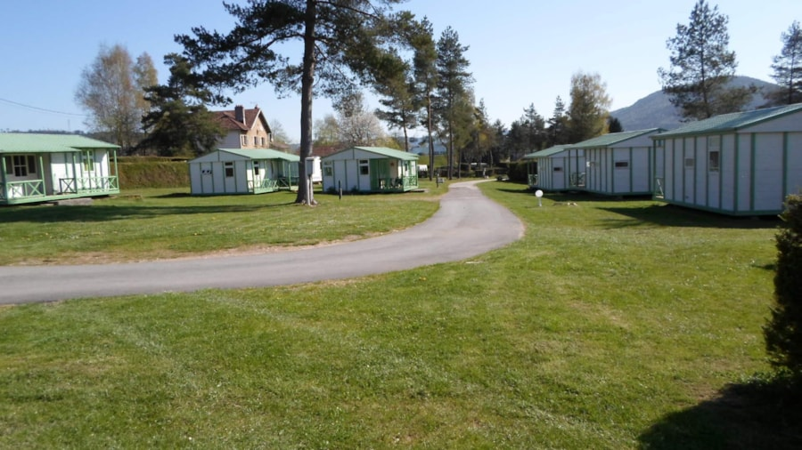 Camping les pinasses lorraine france club campings for Camping lorraine avec piscine