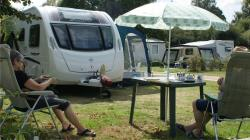 Pitch 150 M2 : 1 Person + Car + Tent/Caravan Or Camping-Car
