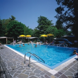 Bathing Camping Garden Tourist - Manerba Del Garda (Bs)