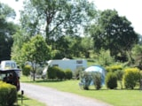Pitch - Nature Package (1 tent, caravan or motorhome / 1 car) - Camping L'Escapade