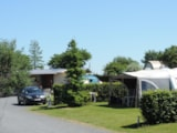 Pitch - Comfort Package (1 tent, caravan or motorhome / 1 car / electricity 10A) - Camping L'Escapade