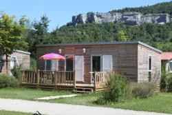 Accommodation - Cottage Granvelle - 36M² - 2 Bedrooms, 2 Bathrooms, Luxe And Spaces - Camping Ecologique La Roche D'ully