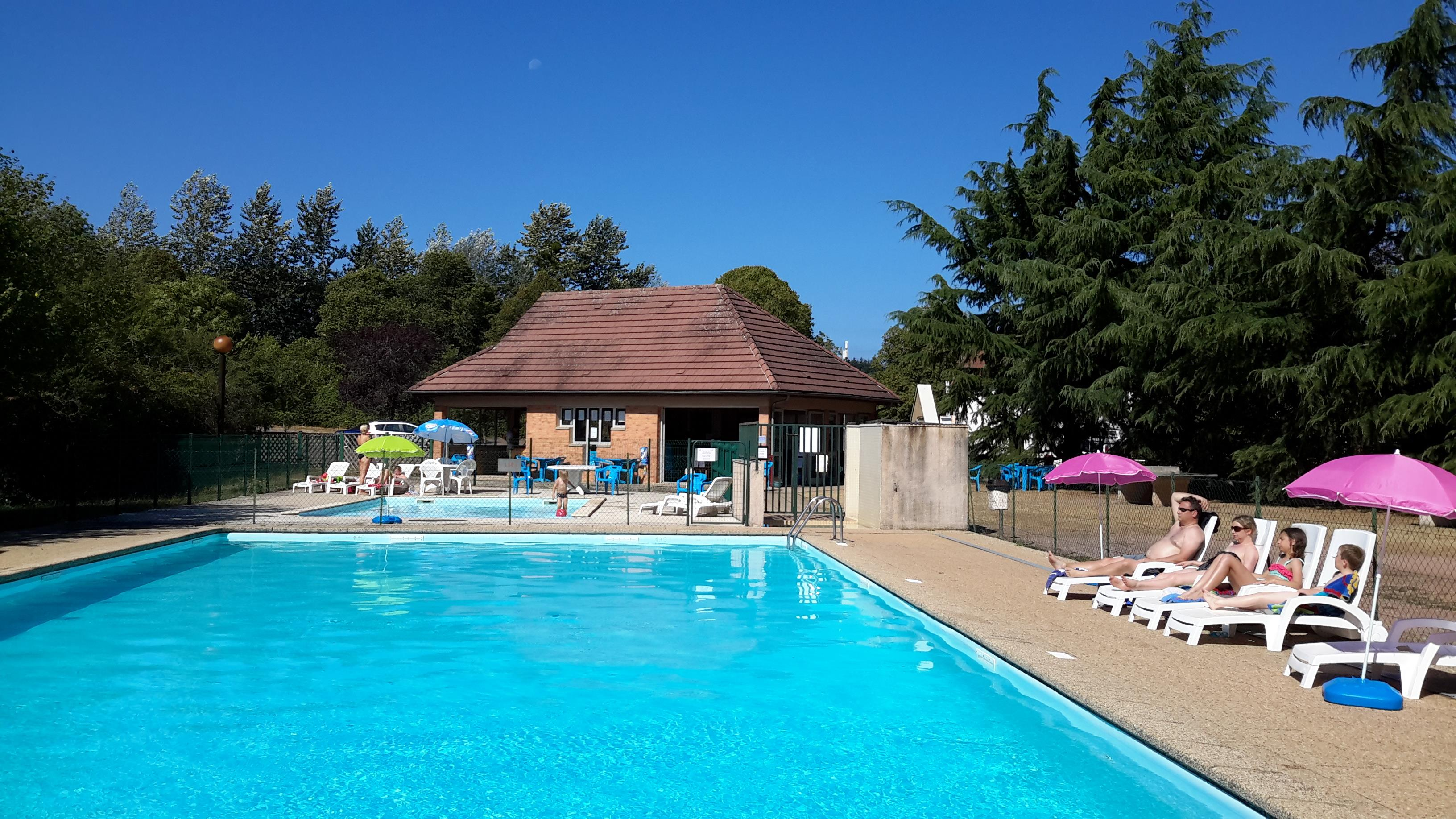 Camping de saulieu camping qualit for Site piscine