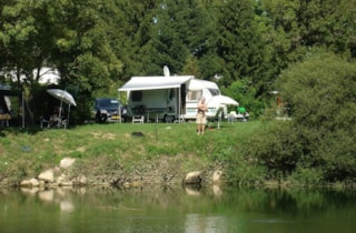 Privilege Package (1 Tent, Caravan Or Motorhome / 1 Car / Electricity 10A) - Riverside