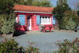 Rental - Holiday Home 2 bedrooms + Television - Camping Les P'tites Maisons dans la Prairie