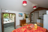 Rental - Gîte Roussillon 70m ² on 2 levels + 12m ² covered terrace - Camping Le Luberon ****