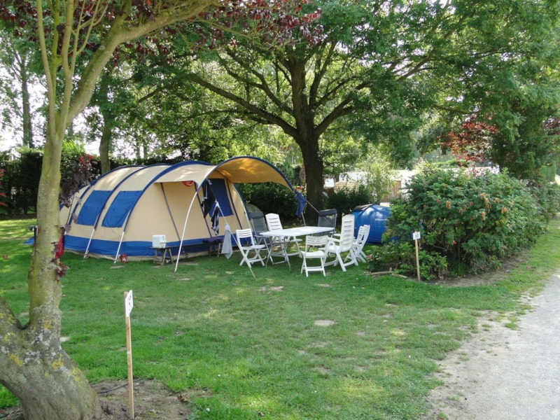 Comfort Package (1 tent, caravan or motorhome / 1 car / electricity 4A)