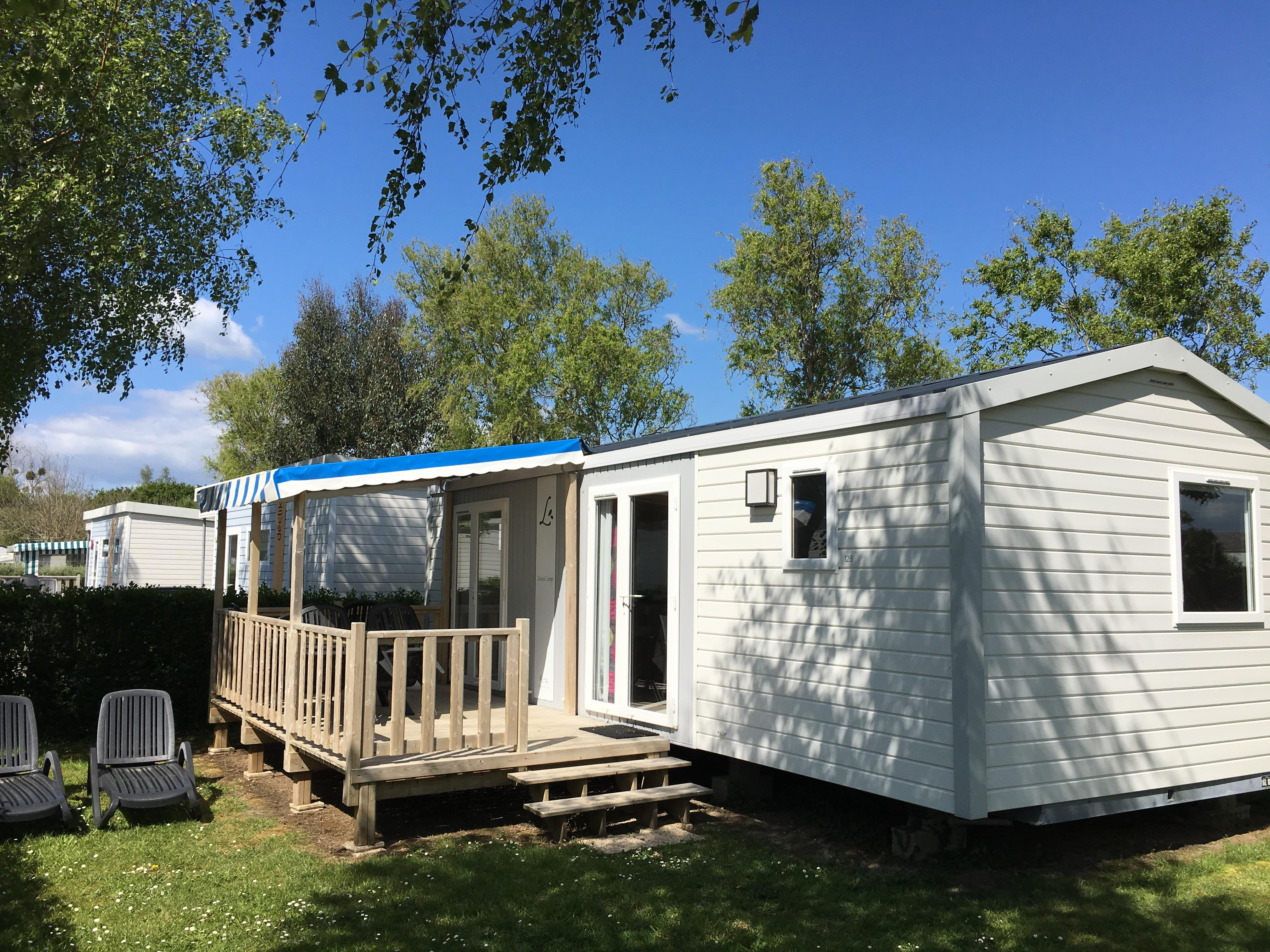 Mobil-home Grand Large 30 m² avec terrasse couverte