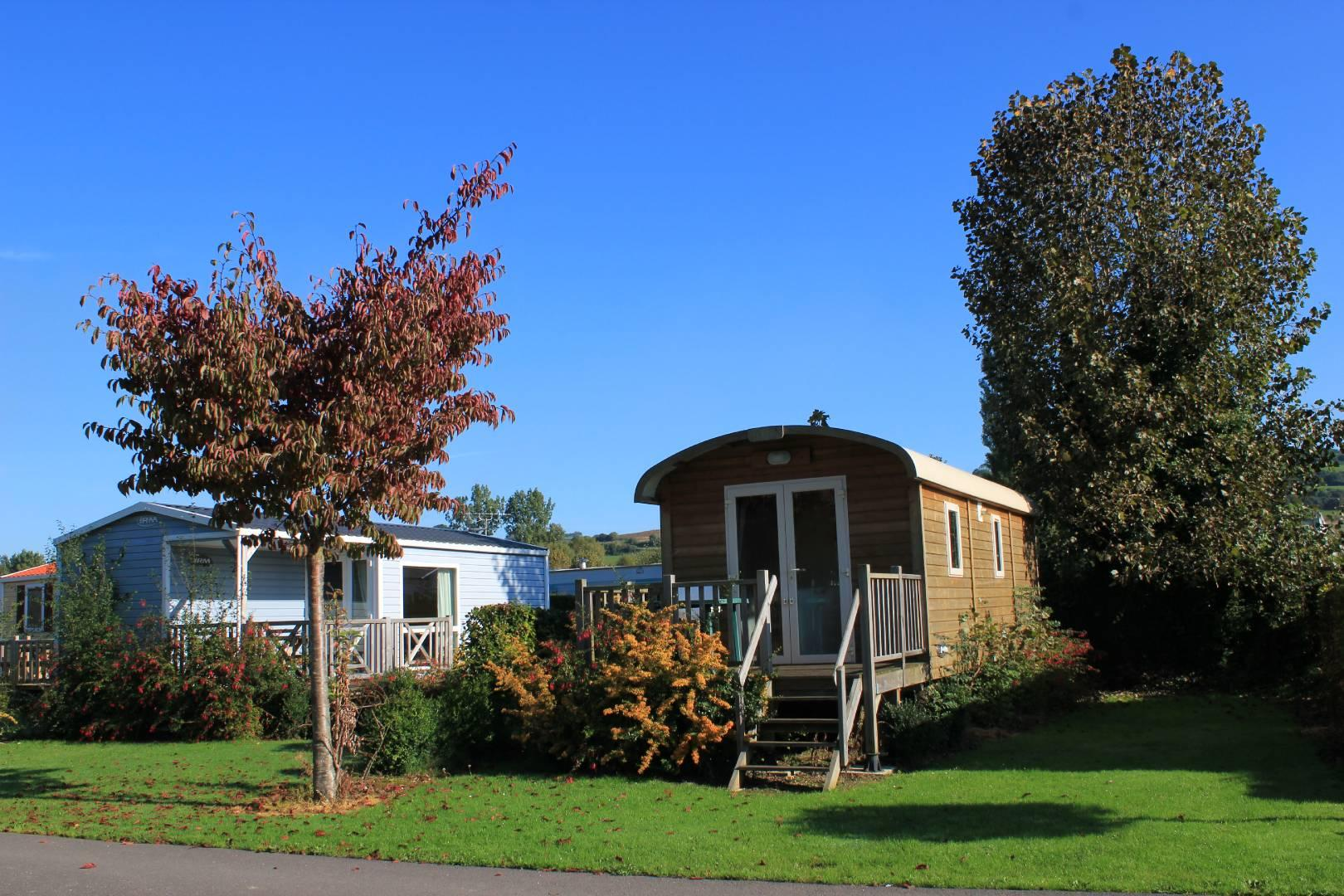 Locatifs - Roulotte Irm 20.4M² (2 Chambres) - Camping le Marqueval