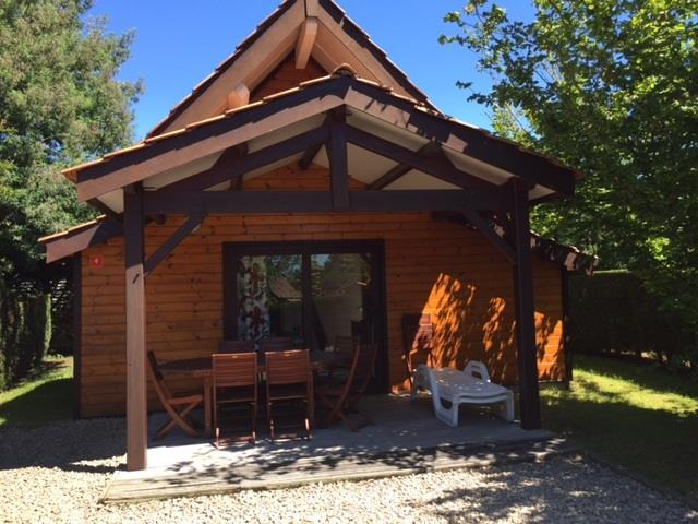 Location - Chalet 51M² (2 Chambres) Dimanche/Dimanche - Camping Bimbo