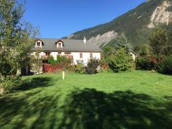 Accommodation - Middle Barn : One Of Our Properties At Ferme Noemie, Bourg D'oisans. - Camping la Ferme Noémie