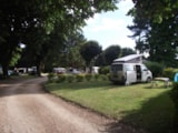 Pitch - Pitch + Vehicle - Camping Le Clos du Blavet