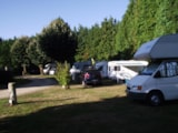 Pitch - Pitch: Camping-Car + Electricity - Camping Le Clos du Blavet