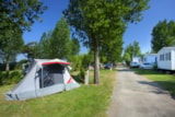 Pitch - Comfort Package (1 Tent, Caravan Or Motorhome / 1 Car / Electricity 6A) - Flower Camping Bois Soleil