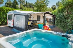 Pitch - 'Palace De Luxe' Touring Pitch Caravan/Motorhome (No Tents) With Private Bathroom And Jacuzzi - Esterel Caravaning