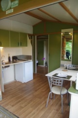 Rental - Chalet adapted to the people with reduced mobility - 24 sqm (terrace) -1 bedroom - Camping Les Portes Du Beaujolais