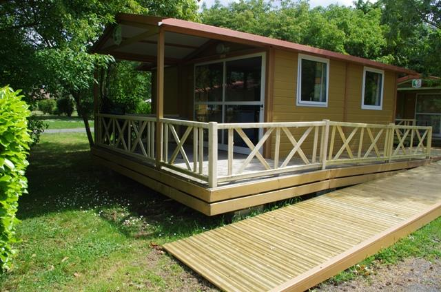 Wheelchair friendly Camping Les Portes Du Beaujolais - ANSE