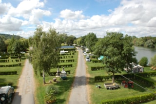 Comfort Package: car + tent or caravan or camping-car with facilities + electricity (6A)