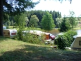 Pitch - Forfait camping 1 personne + emplacement + vehicule - Camping La Chanterelle