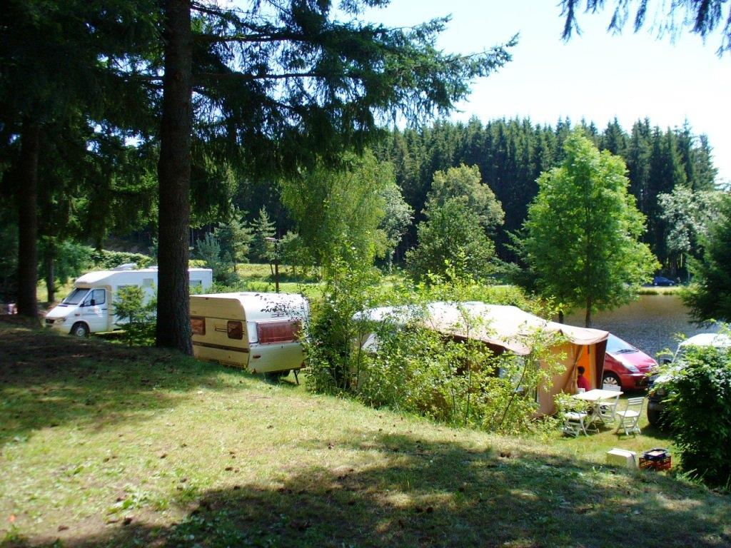 Forfait camping 2 personnes + emplacement + véhicule