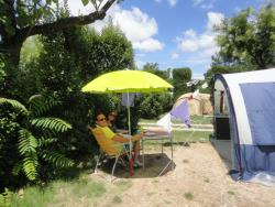 1 Person + Pitch >80M² : Car + Tent/Caravan Or Camping-Car -  Flat, Delimited