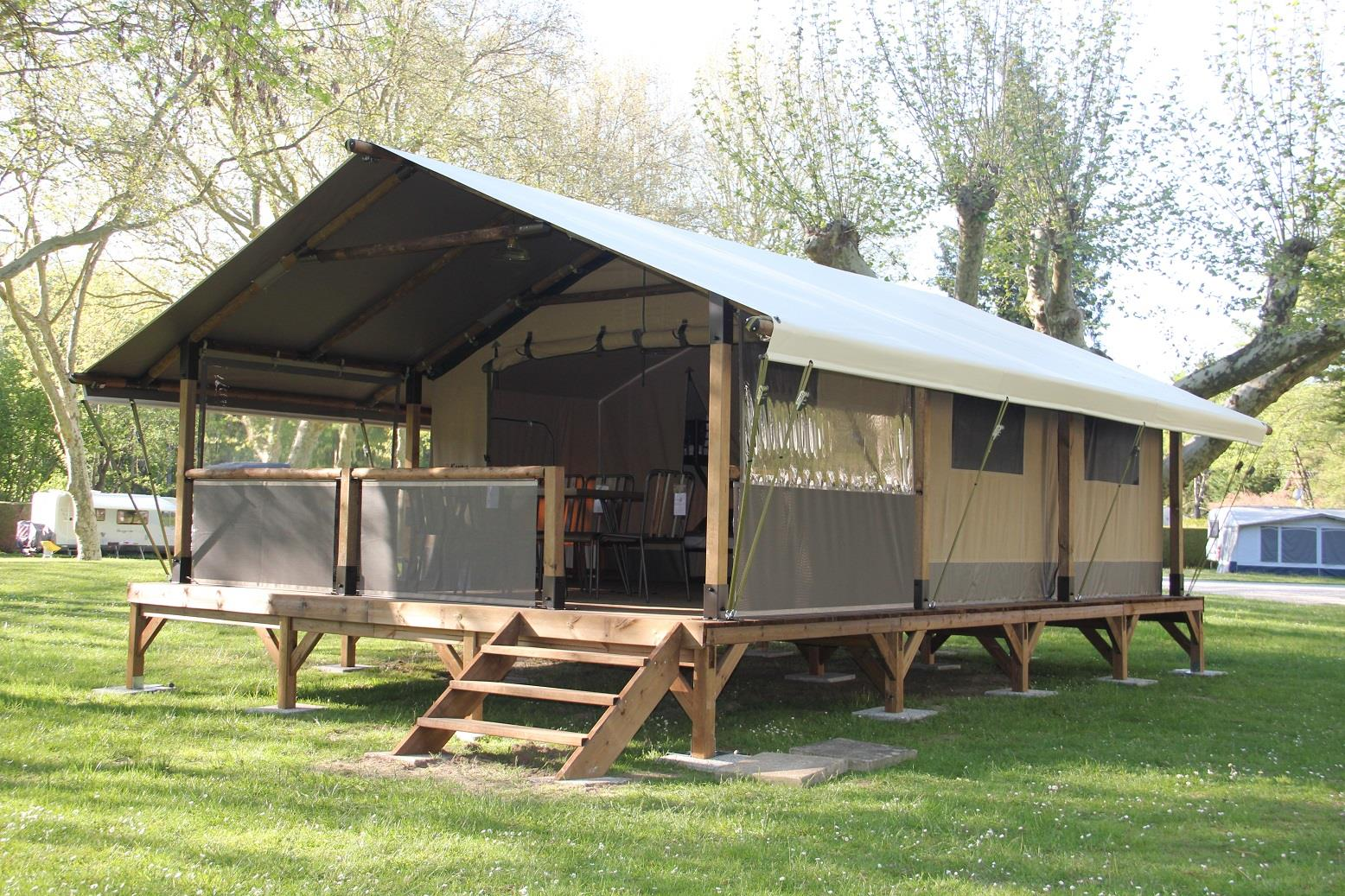 Huuraccommodatie - Lodge La Dame Jouanne May 2019 (Without Toilet Blocks) - Camping Ile de Boulancourt