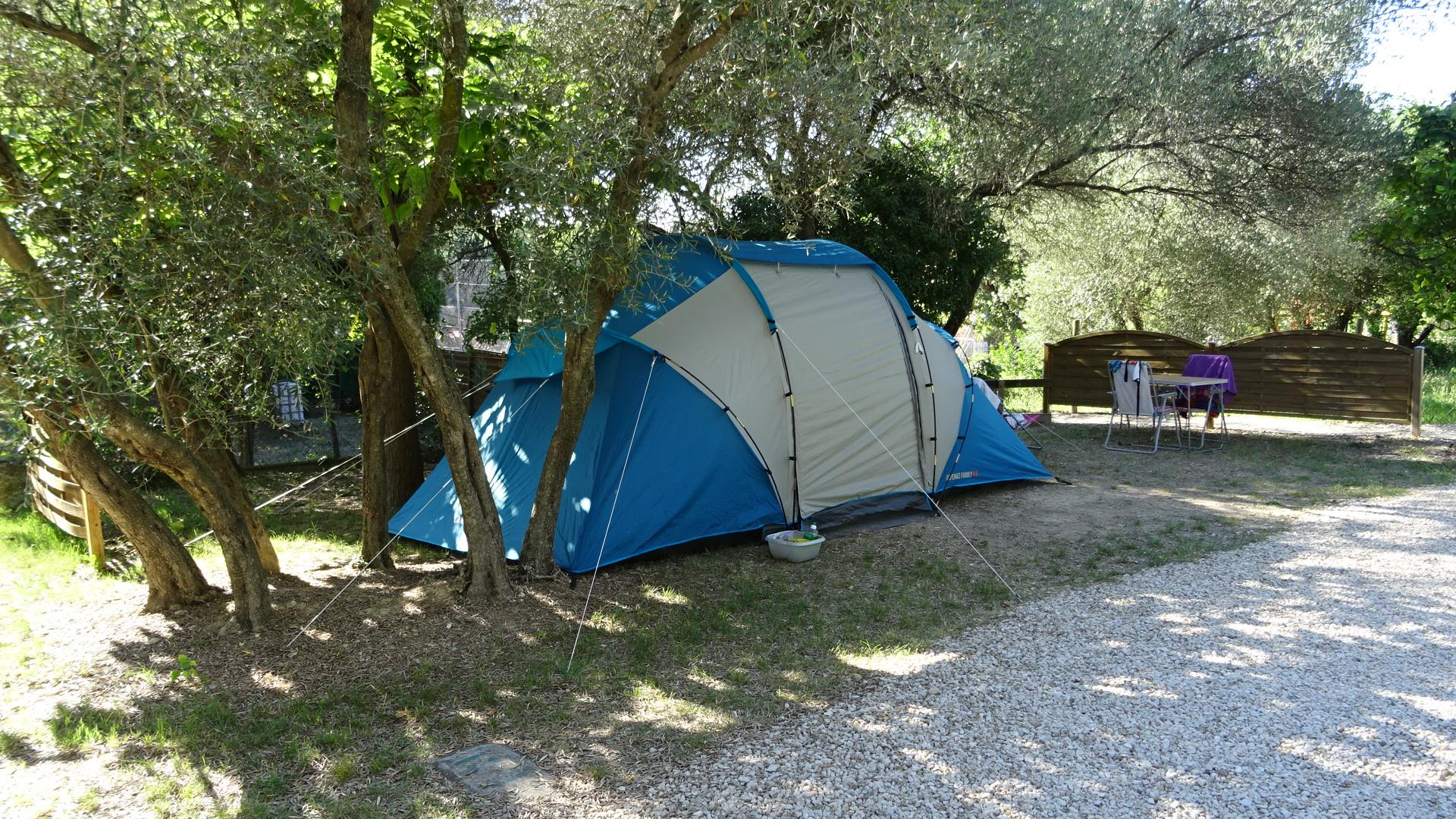 Emplacement - Forfait Emplacement - Camping L'Olivier
