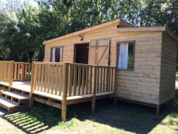 Wooden cabin Family 25m² - 3 bedrooms (without toilet blocks) : Night + Breakfast