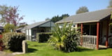 Rental - Chalet Confort 2 bedrooms Wheelchair friendly - Sea Green - Camping Emeraude
