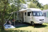 Pitch - Stopover: Pitch 1 car +1 tent or 1 caravan or 1 camping-car - Camping La Régate