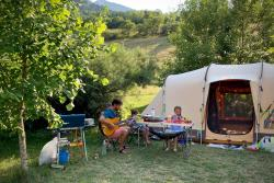 Pitch - Confort Pitch - Electricity 10A + Car + Tent Or Caravan Or Camper - Sites et Paysages Belle Roche