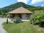 Wheelchair friendly Camping Sites et Paysages BELLE ROCHE - Lalley