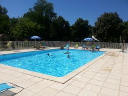 Etablissement Camping Les Rives Du Céou - Saint Chamarand