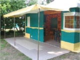 Rental - Canvas Bungalow (20M²), Without Toilet Blocks, 2 Bedrooms - Camping Couleurs du Monde