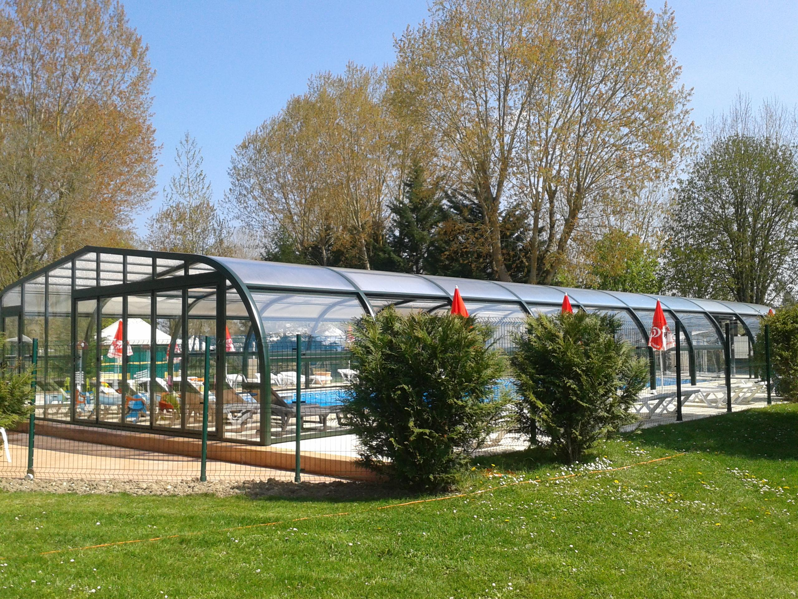 Camping couleurs du monde camping rond point for Piscine montparnasse